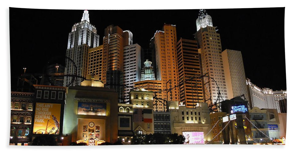 New York Hand Towel featuring the photograph New York Las Vegas by David Lee Thompson