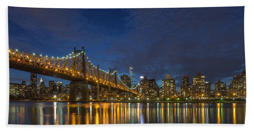 Architecture Bath Sheet featuring the photograph New York Skyline - Queensboro Bridge - 2 by Christian Tuk