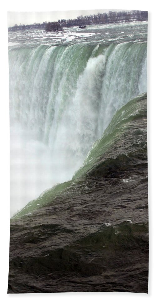 Niagara Falls Bath Towel featuring the photograph Niagara Falls 1 by Anthony Jones