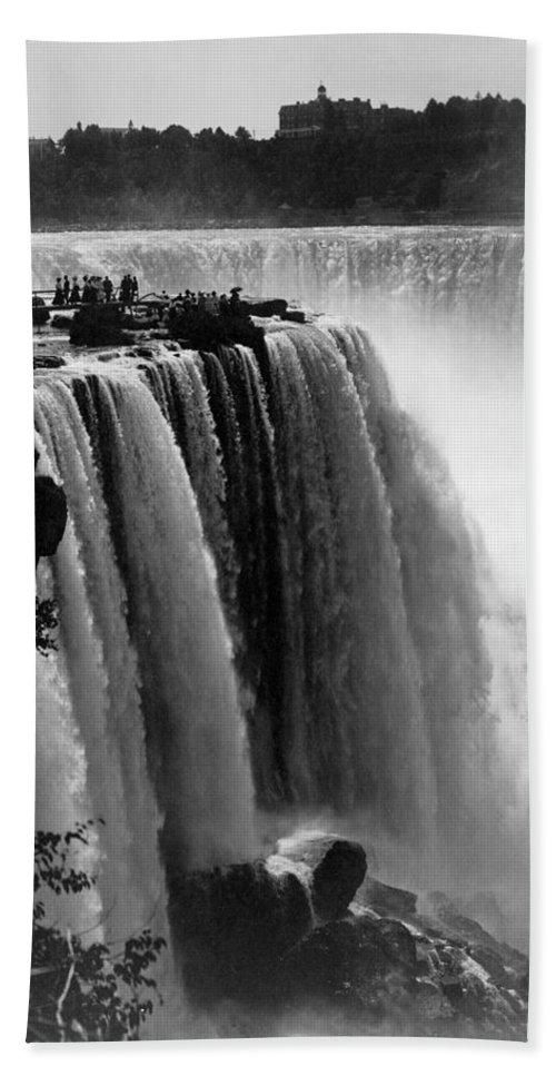 1911 Bath Sheet featuring the photograph Niagara Falls, C1911 by Granger