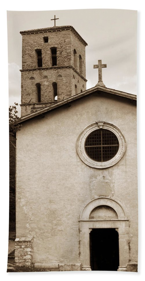Curch Bath Towel featuring the photograph Nice Old Church For Wedding by Marilyn Hunt