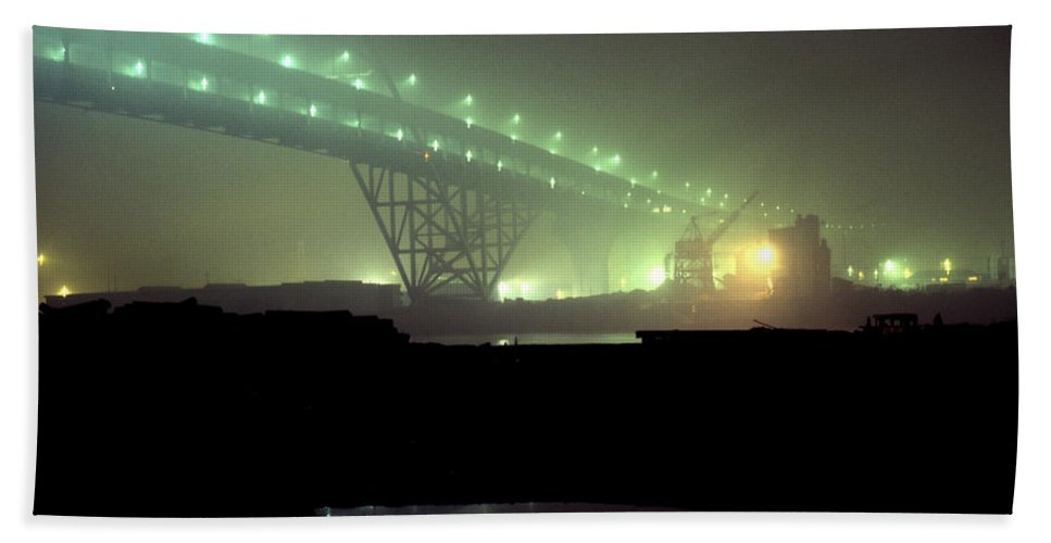 Night Photo Bath Towel featuring the photograph Nightscape 3 by Lee Santa