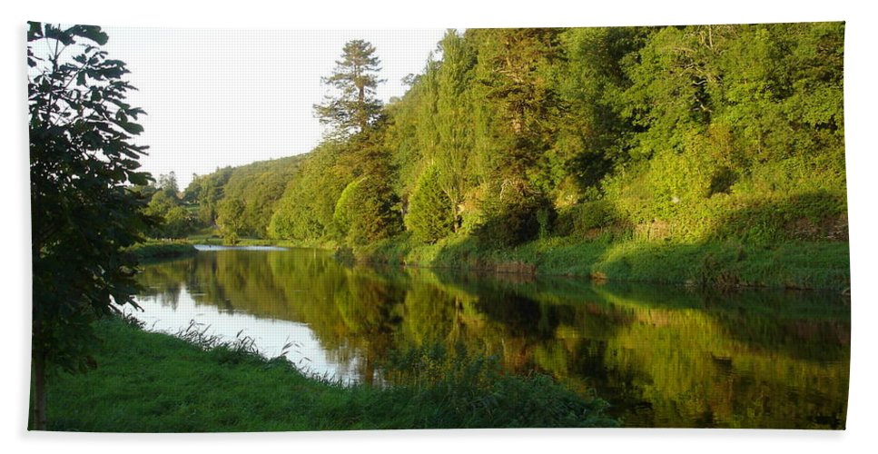 Nore Hand Towel featuring the photograph Nore Reflections I by Kelly Mezzapelle
