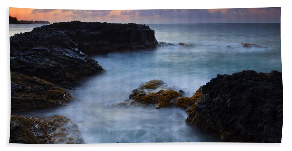 Lumahai Beach Hand Towel featuring the photograph North Shore Tides by Mike Dawson