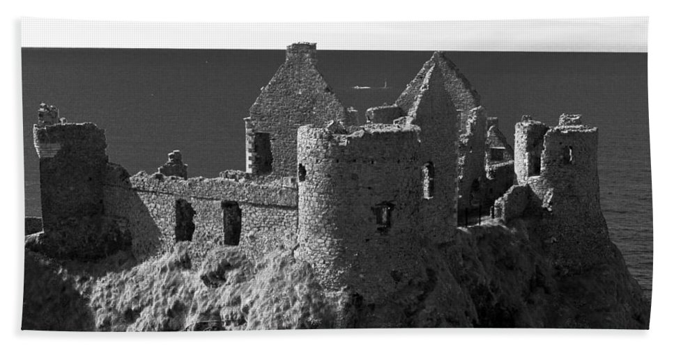 Ireland Hand Towel featuring the photograph Northern Ireland 40 by Avril Christophe