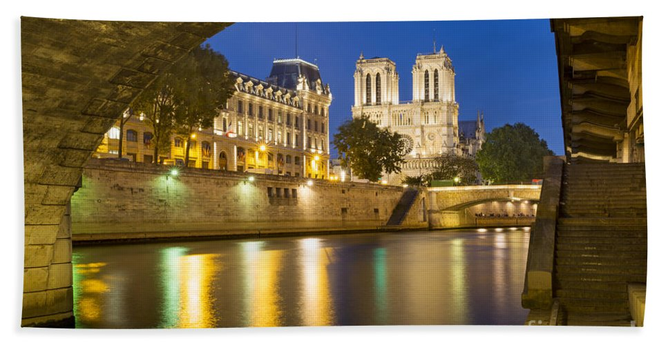 Arch Hand Towel featuring the photograph Notre Dame - Paris Night View by Brian Jannsen