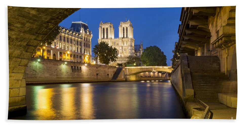 Arch Hand Towel featuring the photograph Notre Dame - Paris Night View II by Brian Jannsen