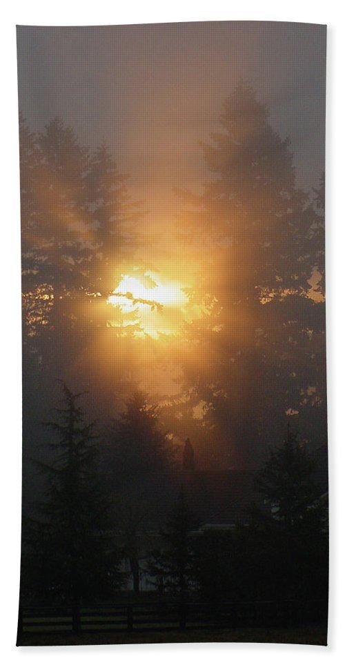 Sun Hand Towel featuring the photograph November Sunrise - 1 by Shirley Heyn