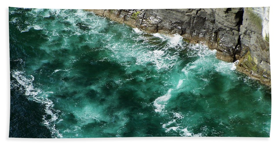 Irish Bath Towel featuring the photograph Nowhere To Go Cliffs Of Moher Ireland by Teresa Mucha
