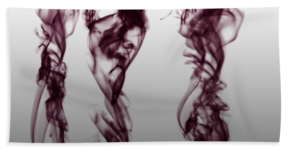 Clay Bath Towel featuring the digital art Nueroses by Clayton Bruster