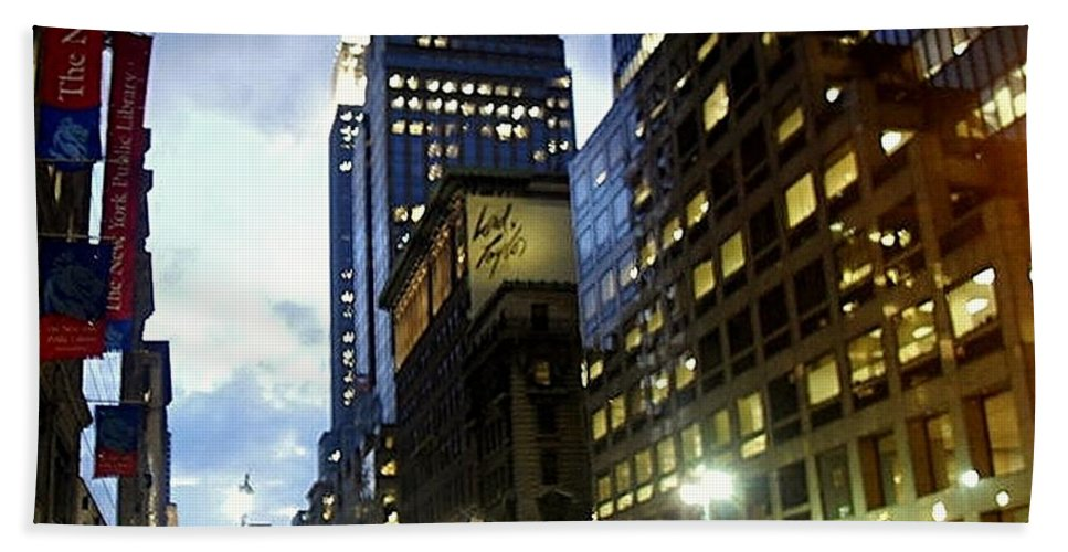 Cityscape Bath Sheet featuring the photograph Nyc Fifth Ave by Vannetta Ferguson