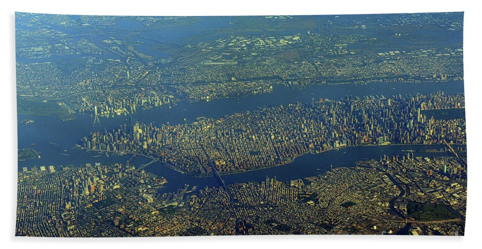 Scenic Tours Bath Sheet featuring the photograph NYC by Skip Willits