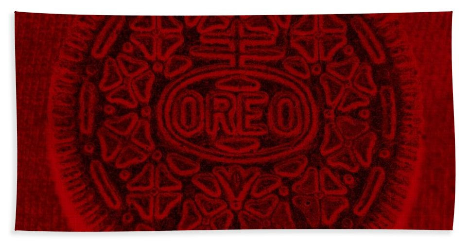 Oreo Bath Towel featuring the photograph O R E O In Red by Rob Hans