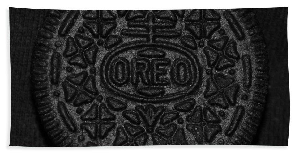 Oreo Bath Sheet featuring the photograph O R E O by Rob Hans