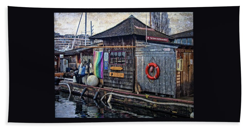 Hdr Bath Sheet featuring the photograph Oarhouse by Thom Zehrfeld