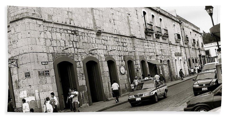 Oaxaca Bath Sheet featuring the photograph Oaxaca Escena De La Calle by Michael Peychich