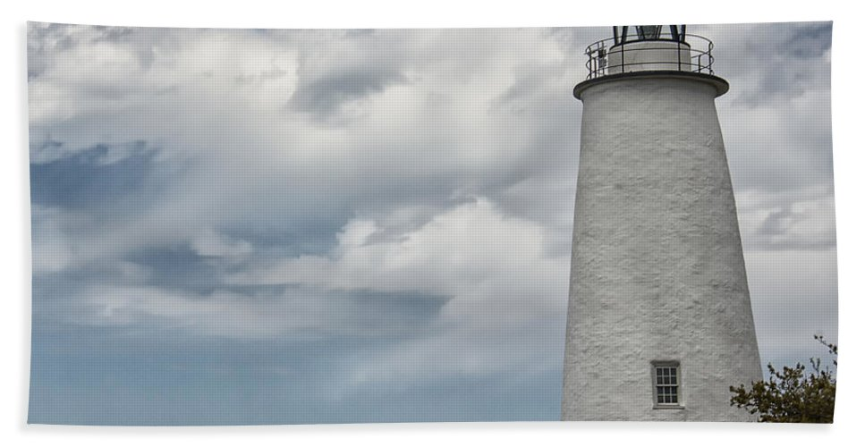 Atlantic Hand Towel featuring the photograph Ocracoke Island Lighthouse by Tom Gari Gallery-Three-Photography