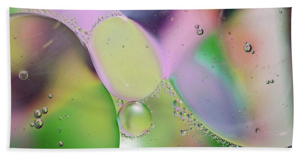 Abstract Bath Towel featuring the photograph Oil 3 by Michael Peychich
