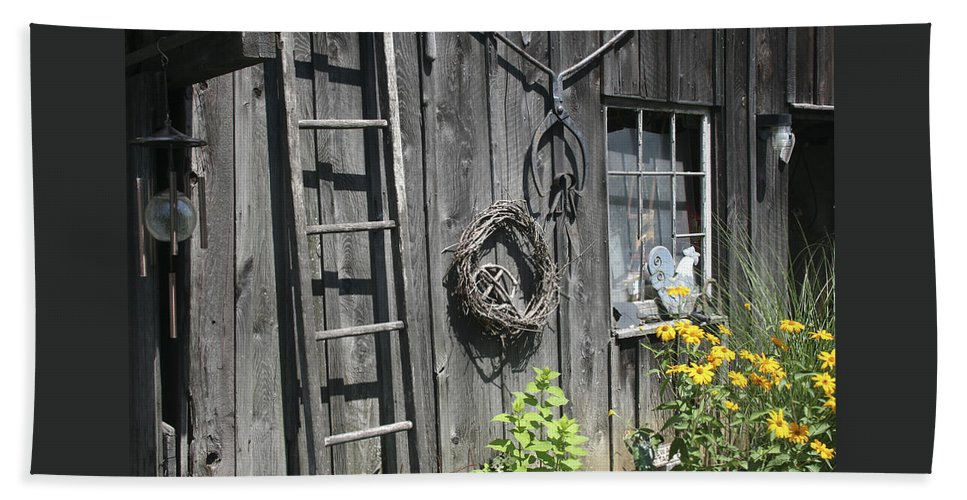 Barn Bath Towel featuring the photograph Old Barn II by Margie Wildblood