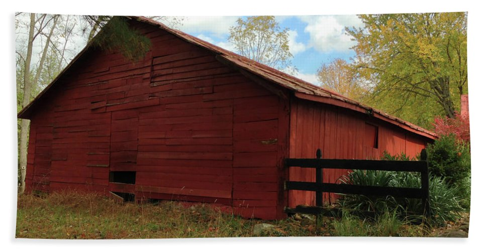Hand Towel featuring the photograph Old Barn by Iris Posner
