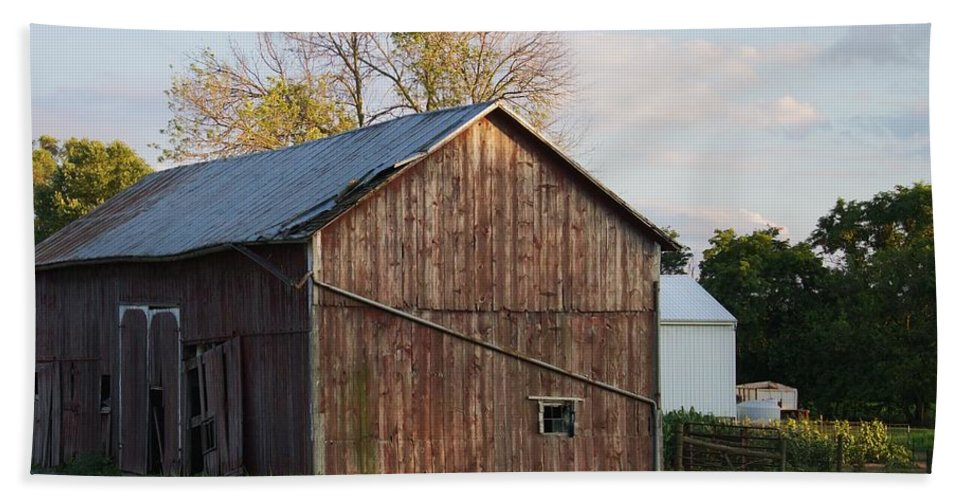 Barn Bath Sheet featuring the photograph Old Barn by Kim Angely