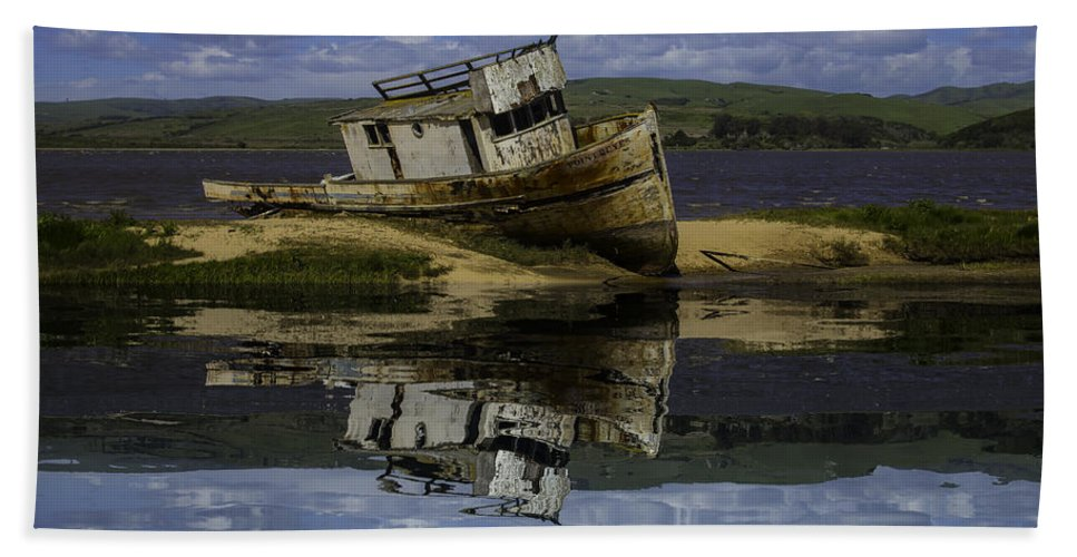 Old Hand Towel featuring the photograph Old Boat Reflection by Garry Gay