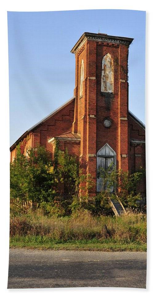 Abandon Church Hand Towel featuring the photograph Old Church by David Arment