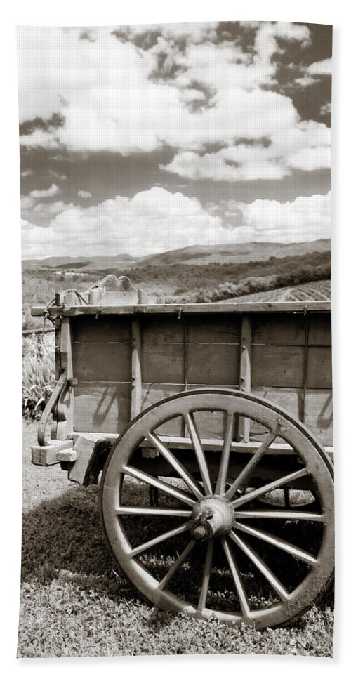 Old Country Wagon Hand Towel featuring the photograph Old Country Wagon by Marilyn Hunt