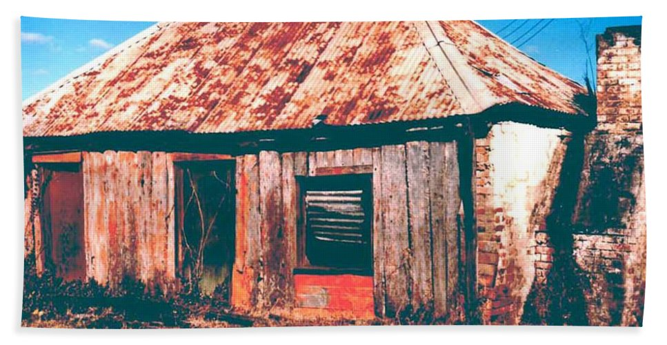 Australia Hand Towel featuring the photograph Old Farm House by Gary Wonning