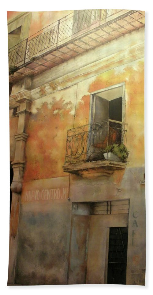 Havana Cuba Bath Towel featuring the painting Old Havana by Tomas Castano