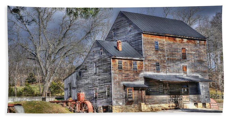 Nelson County Virginia Hand Towel featuring the photograph Old Mill Nelson County Virginia by Todd Hostetter