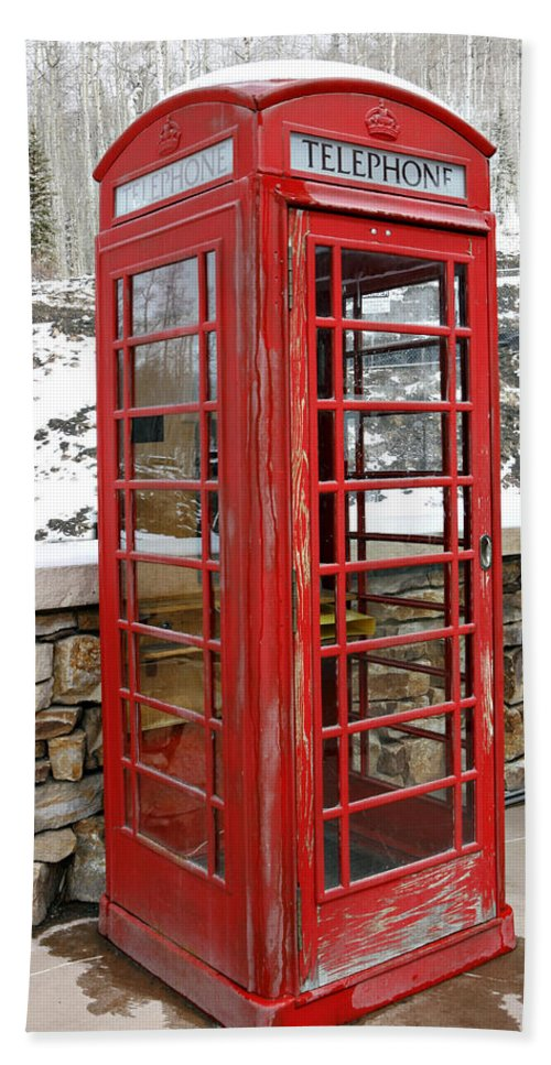 Communication Bath Towel featuring the photograph Old Phone Booth by Marilyn Hunt