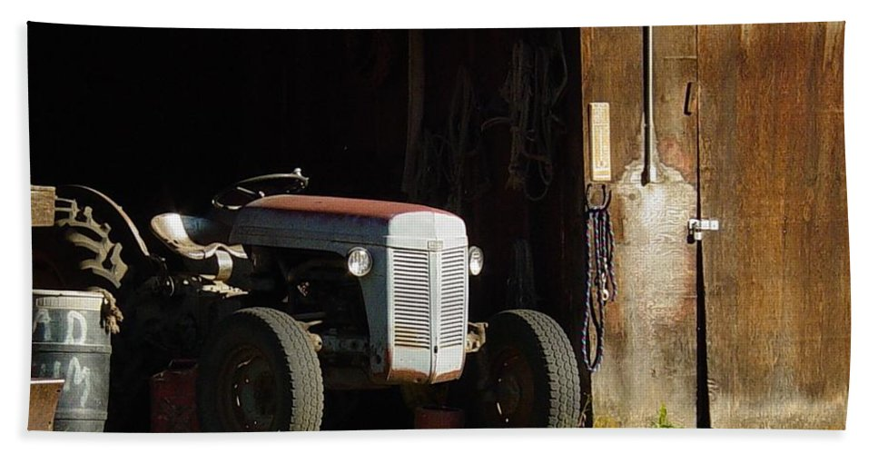 Tractor Bath Sheet featuring the photograph Old Tractor 2 by Sara Stevenson