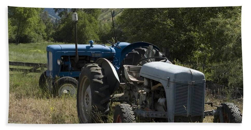 Tractors Bath Sheet featuring the photograph Old Tractor 7 by Sara Stevenson
