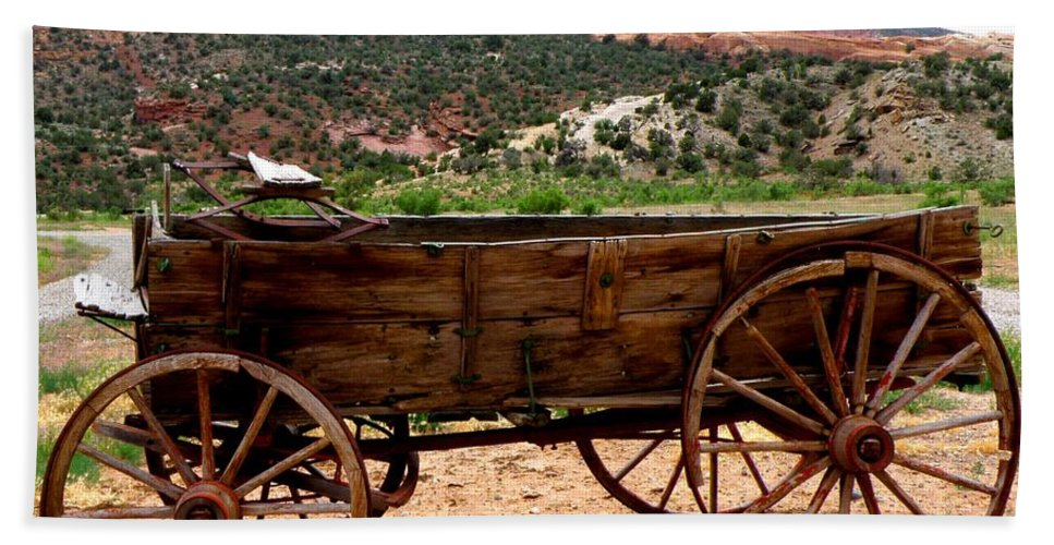 Old Wagon Bath Sheet featuring the photograph Old Wagon by George Tuffy