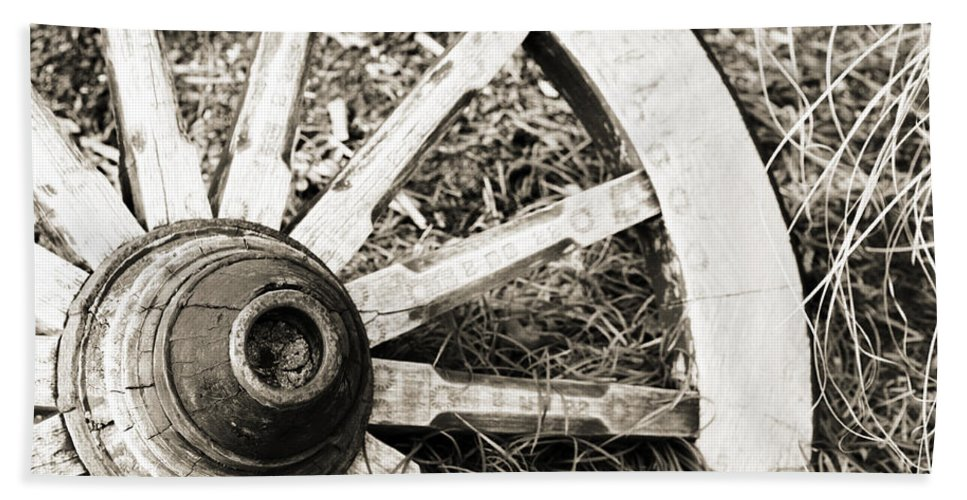 Artsy Bath Sheet featuring the photograph Old Wagon Wheel by Marilyn Hunt