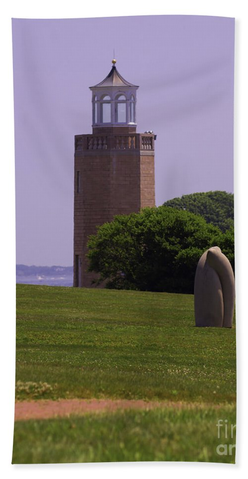 Lighthouse Hand Towel featuring the photograph On The Green by Joe Geraci