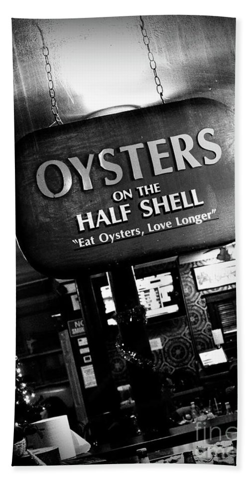 Black & White Hand Towel featuring the photograph On The Half Shell - Bw by Scott Pellegrin