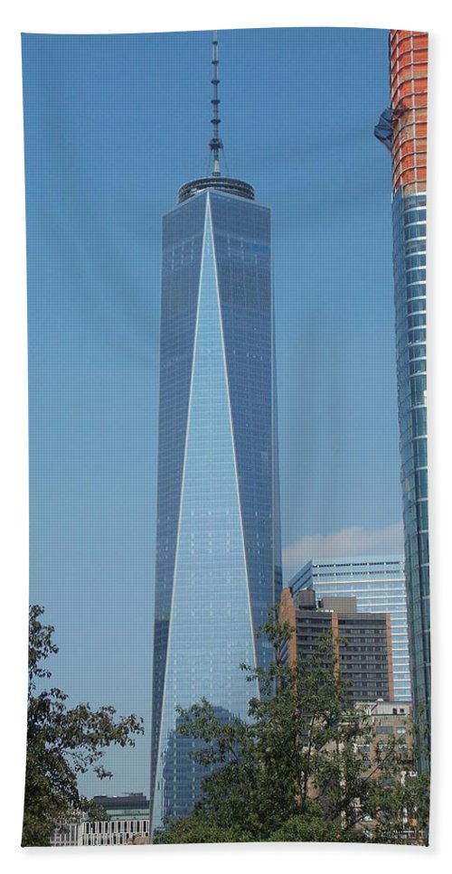 One Hand Towel featuring the photograph One World Trade Center 5 by Nina Kindred