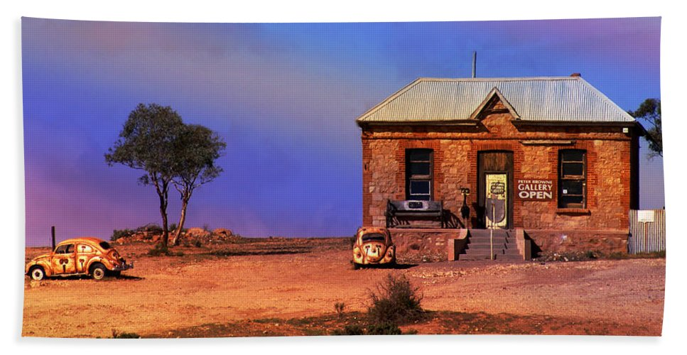Landscape Bath Towel featuring the photograph Open For Business by Holly Kempe