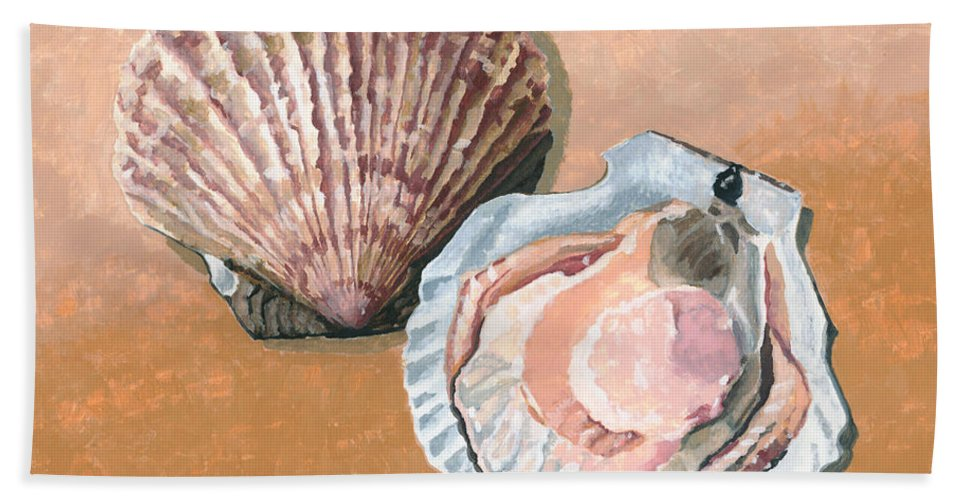 Scallop Hand Towel featuring the painting Open Scallop by Dominic White