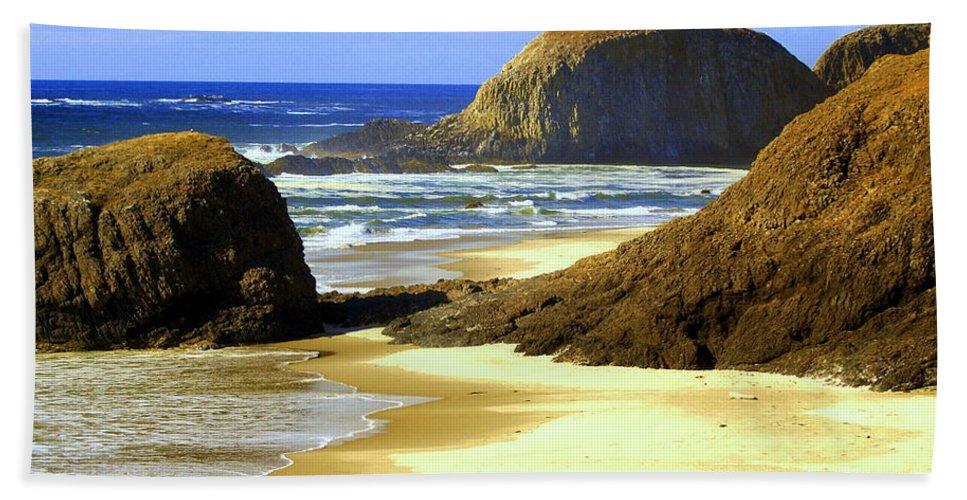 Ocean Bath Sheet featuring the photograph Oregon Coast 18 by Marty Koch