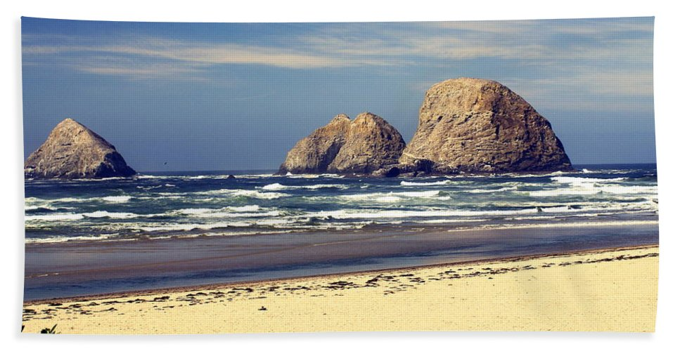 Ocean Hand Towel featuring the photograph Oregon Coast 7 by Marty Koch