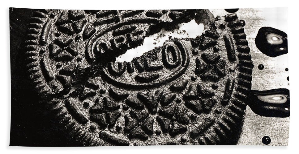 Cookie Bath Sheet featuring the photograph Oreo Cookie by Nancy Mueller