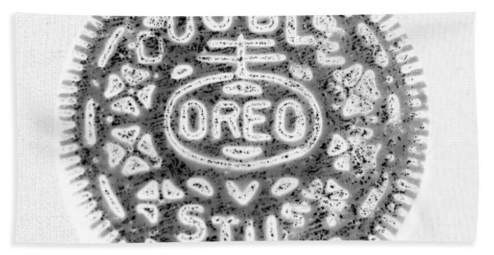 Oreo Bath Sheet featuring the photograph Oreo In Negetive by Rob Hans