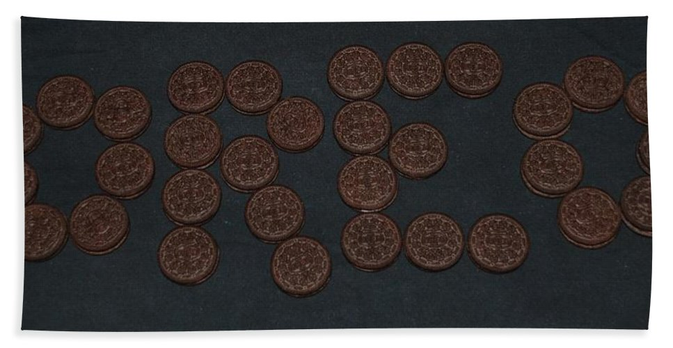 Oreo Hand Towel featuring the photograph Oreo by Rob Hans