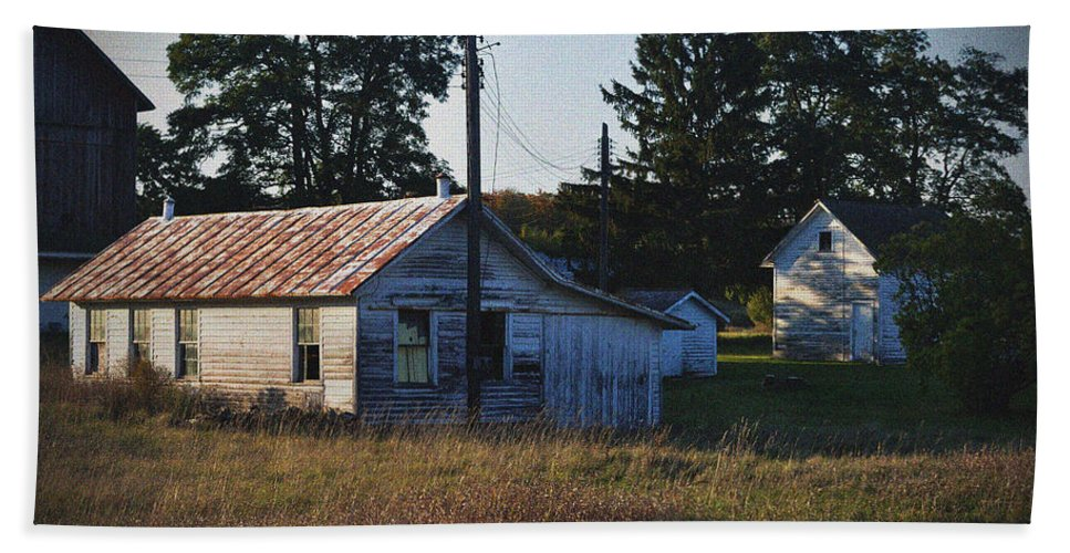 Barns Bath Sheet featuring the photograph Out Building by Tim Nyberg
