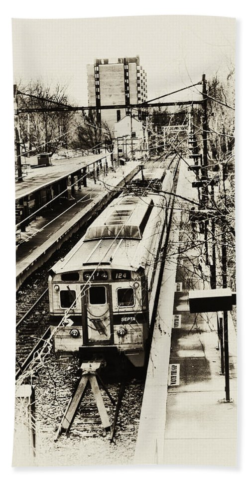 Train Hand Towel featuring the photograph Outbound Train by Bill Cannon