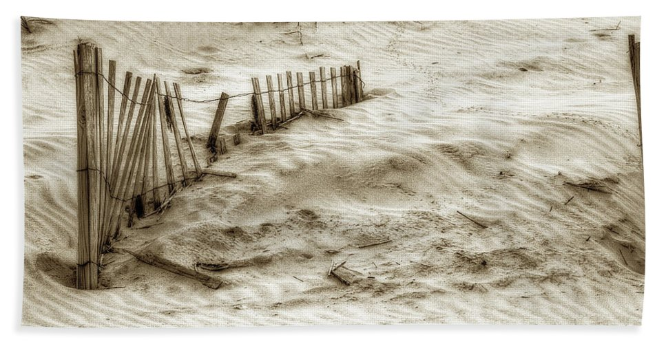Sand Bath Towel featuring the photograph Outer Banks Beach Sand Fence by Randy Steele