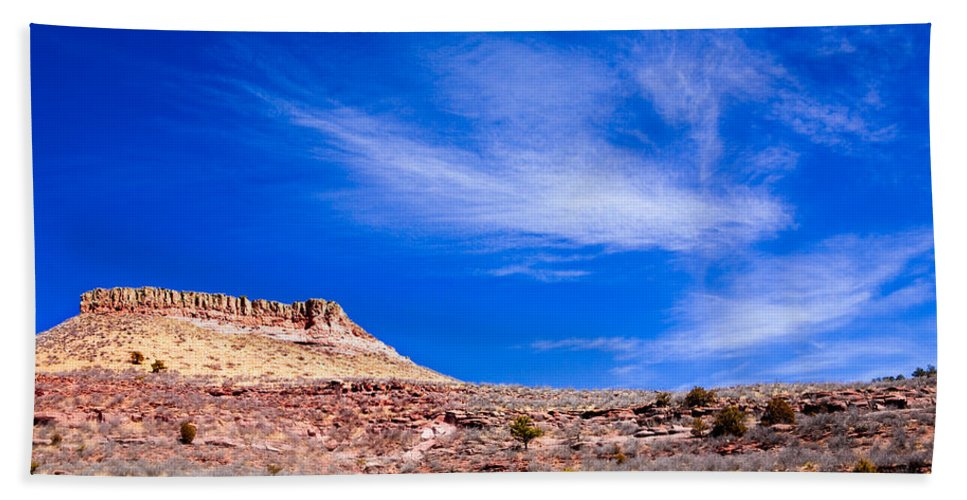 Red Bath Towel featuring the photograph Outside Lyons Colorado by Marilyn Hunt